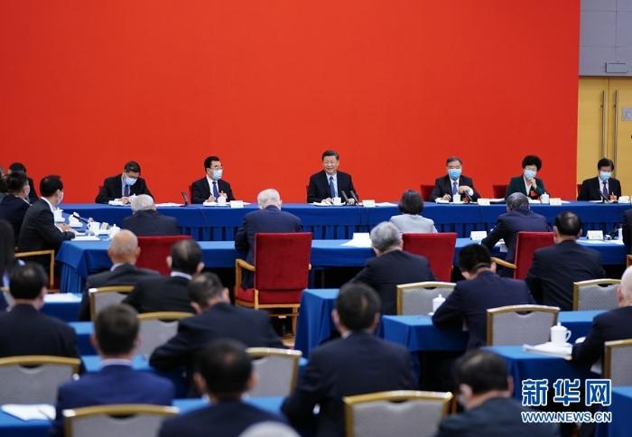 习大大看望参加政协会议的经济界委员1
